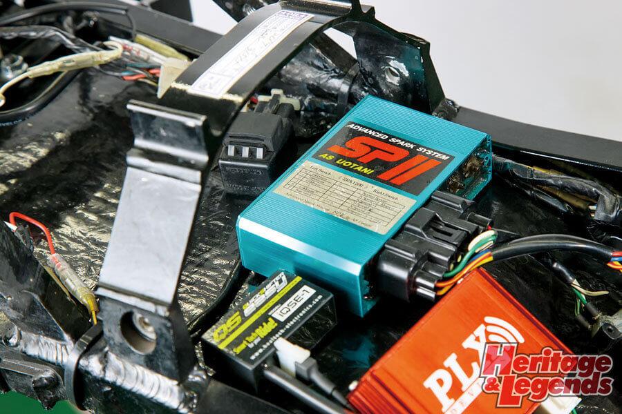GPZ900Rカスタムマーベラスエンジニアリング前編012